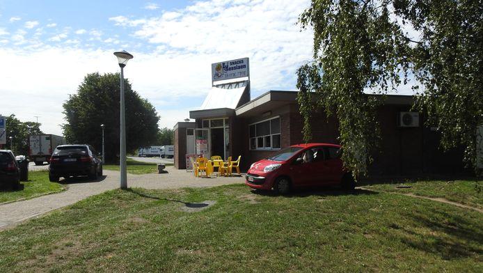 Wegrestaurant Truckstop aan de snelwegparking langs de E17 in Gentbrugge.