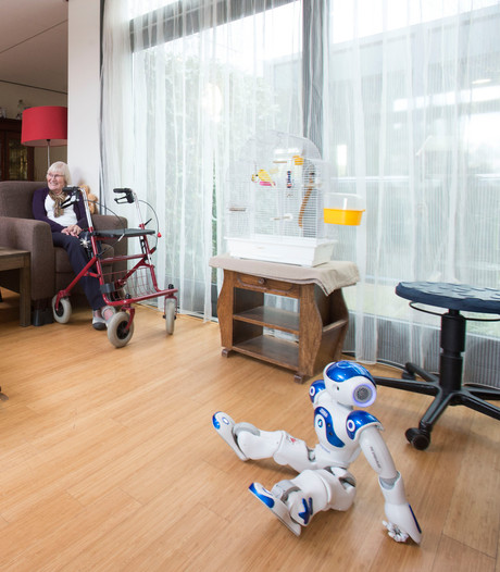Zonder robot krijgen 300.000 ouderen geen zorg