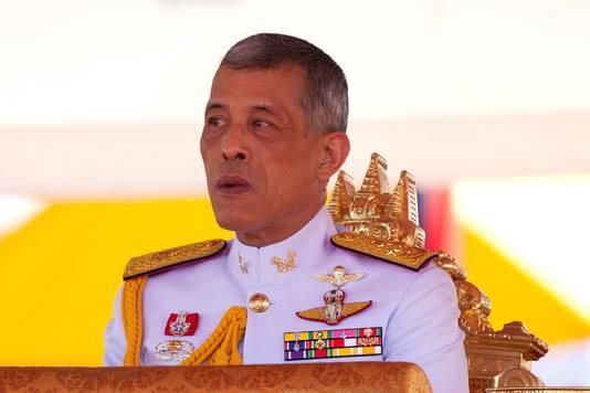 De Thaise koning Maha Vajiralongkorn vindt het ongepast dat zijn zus de politiek in wil.