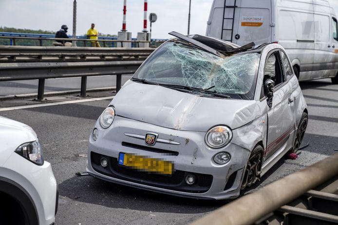 Snelweg afgesloten na ongeluk op A27 ter hoogte van Werkendam.