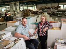 Stalenmakerij Twente in Haaksbergen: 'In China kiezen ze behang uit onze boeken'