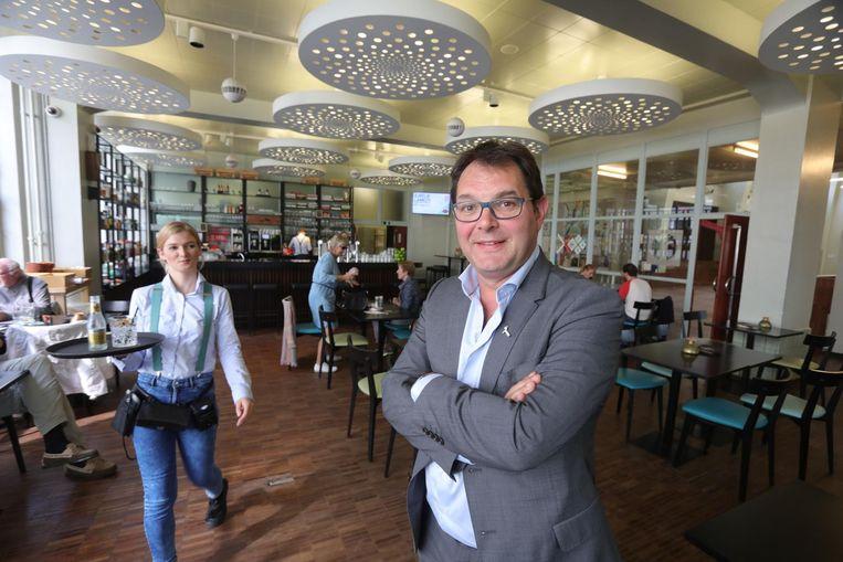 Bruno Dequeecker in De Grote Post, waar hij gisteren zo'n 150 zaakvoerders advies gaf.
