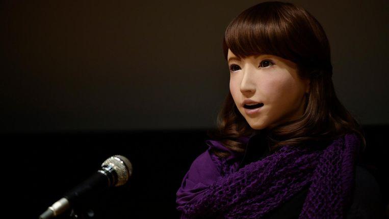 Erica. Ze líjkt op een vrouw, maar ze is een robot, gecreëerd door Hiroshi Ishiguro, professor robotica aan de universiteit van Osaka. Beeld null