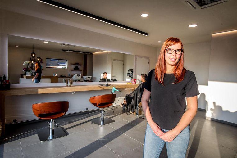 Livia Tack (26) opende woensdag haar eigen kapperszaak Livia Hairdresser.