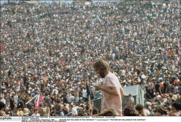 De unieke beelden van Woodstock staan in het collectieve geheugen gegrift .