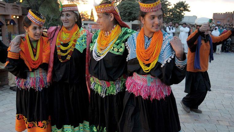 Kailash-vrouwen in Islamabad op een bijeenkomst over de verschillende culturen in het land. Beeld epa