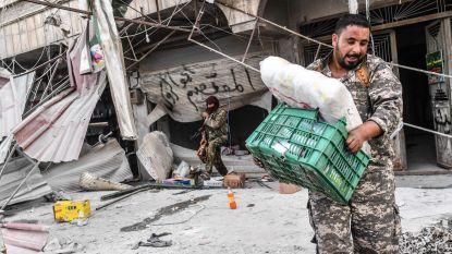 """Syrische rebellen plunderen Afrin leeg: """"Tienduizenden vluchtelingen zijn de wanhoop nabij"""""""