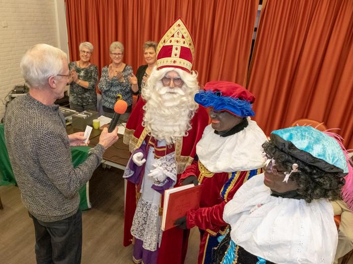 Sinterklaas is op bezoek bij verpleeghuis Cornelia in Zierikzee.
