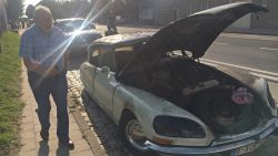 """Oldtimer Citroën DS van 48 jaar oud uitgebrand: """"Heel spijtig, 't was speciale editie en ik was er trots op"""""""