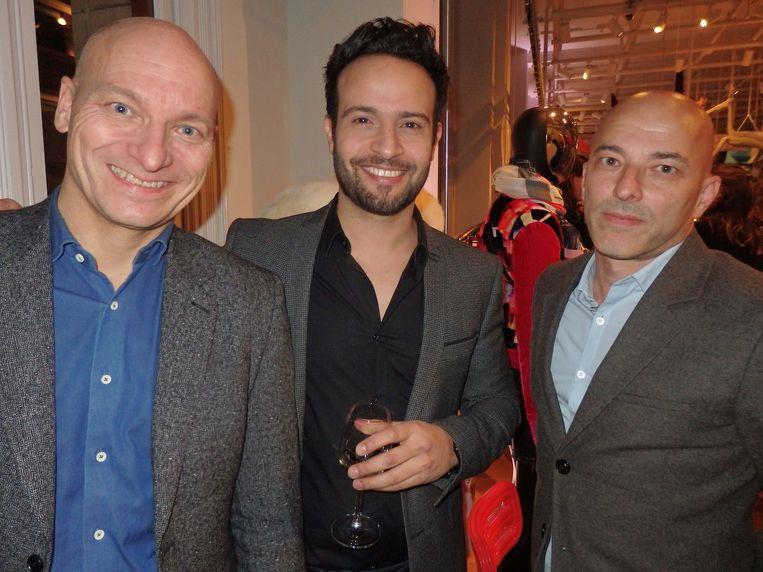 Nog meer bazen: Bram van der Hoek (managing director Europe Hotels), Liran Wizman (eigenaar W Hotel) en Engin Celikbas (vlnr) van KesselsKramer die het concept X Bank bedacht. Beeld Schuim
