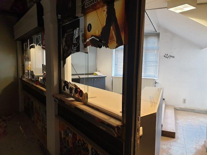 La boutique actuelle de l'Eden à Charleroi n'est qu'un point de dépôt/vente pour artistes.