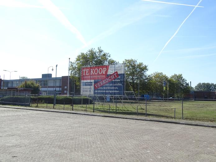 Voormalig Philips-terrein waar op het grasveld de huisvesting voor arbeidsmigranten is gepland.
