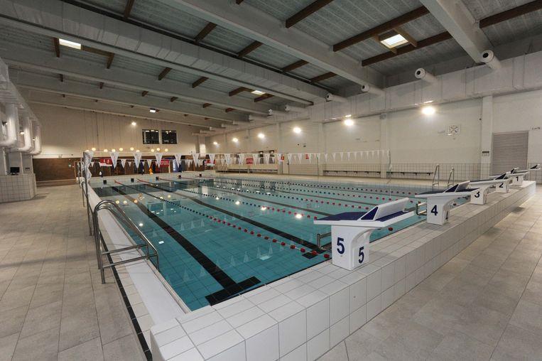 Het sportbad werd wel al met water gevuld, enkele andere zwembaden nog niet.