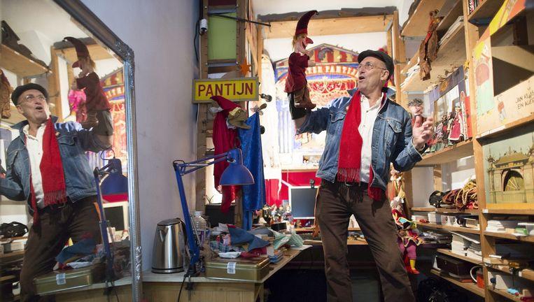 Wim Kerkhove: 'Ik ben hier gids, museumdirecteur, schoonmaker, suppoost en poppenspeler.' Beeld Marc Driessen (www.marcdriessen.com)