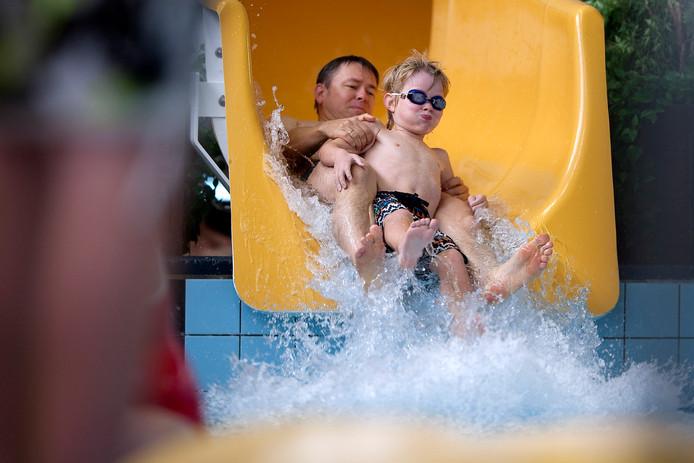 Pret in het Zevenaarse zwembad.