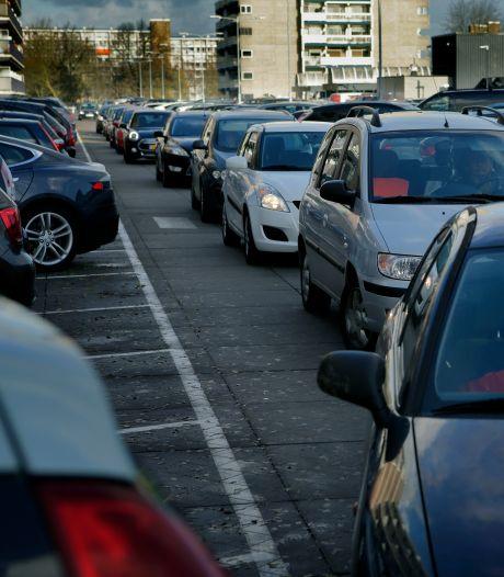 Voorbereidingen voor uitbreiding winkelcentrum Sterrenburg in volle gang: oprit parkeerdek afgesloten