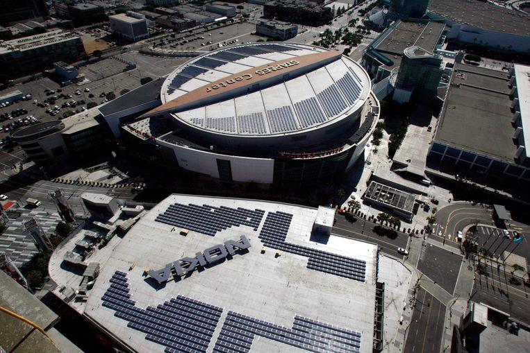 Het Microsoft Theatre (onder), dat vroeger het Nokia Theatre heette.