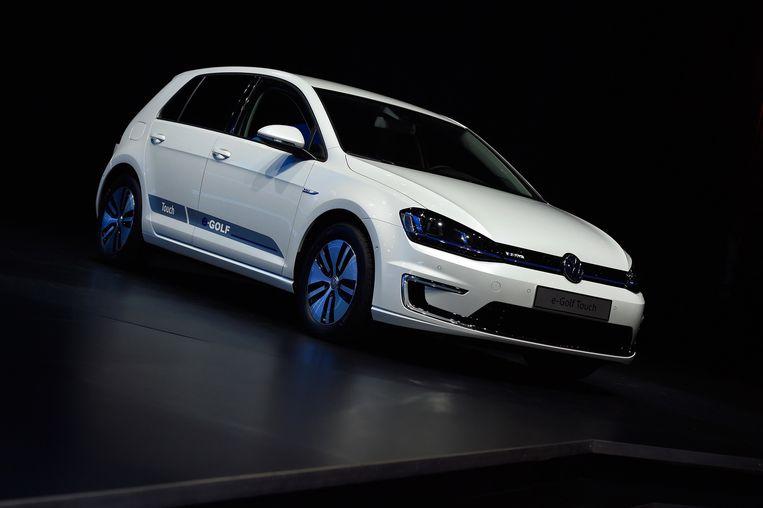 Een Volkswagen e-Golf Touch wordt tentoongesteld op gadgetbeurs CES in Las Vegas. Beeld getty