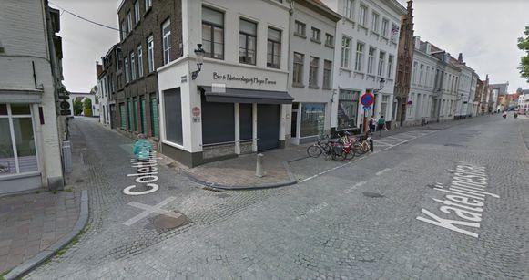 Het gaat om dit kruispunt met de Colettijnenstraat.
