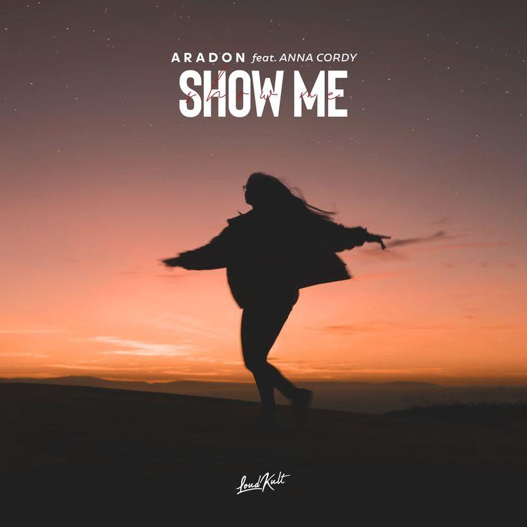 Het nieuwe nummer Show Me is een samenwerking met Anna Cordy van The Voice Kids.