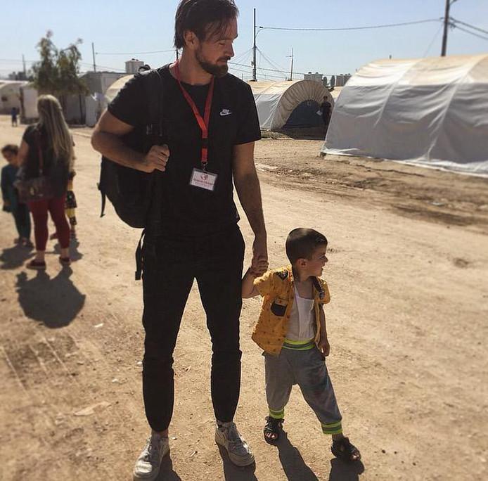 Mark Spijker in het vluchtelingenkamp.