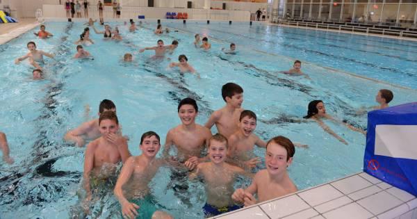 Zwembad culemborg diep in rode cijfers culemborg for Zwembad s hertogenbosch