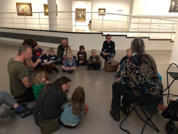 mu-zee-um neemt gezinnen en mensen met een beperking mee op ontdekking in het museum