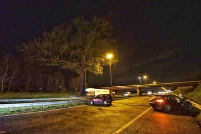 Ongeluk bij 'troeteleik' op A58, weg richting Breda dicht
