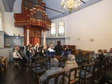 Accordeonisten van Almelonia's voelen zich thuis in Doopsgezinde kerk Almelo