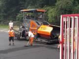 Nieuwe asfaltlaag voor ijsbaan in Doorn