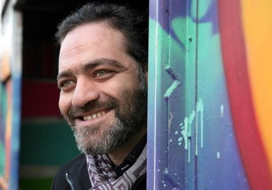Ghassan al Hariri (34) belde overal aan in Dalfsen om zich voor te stellen.