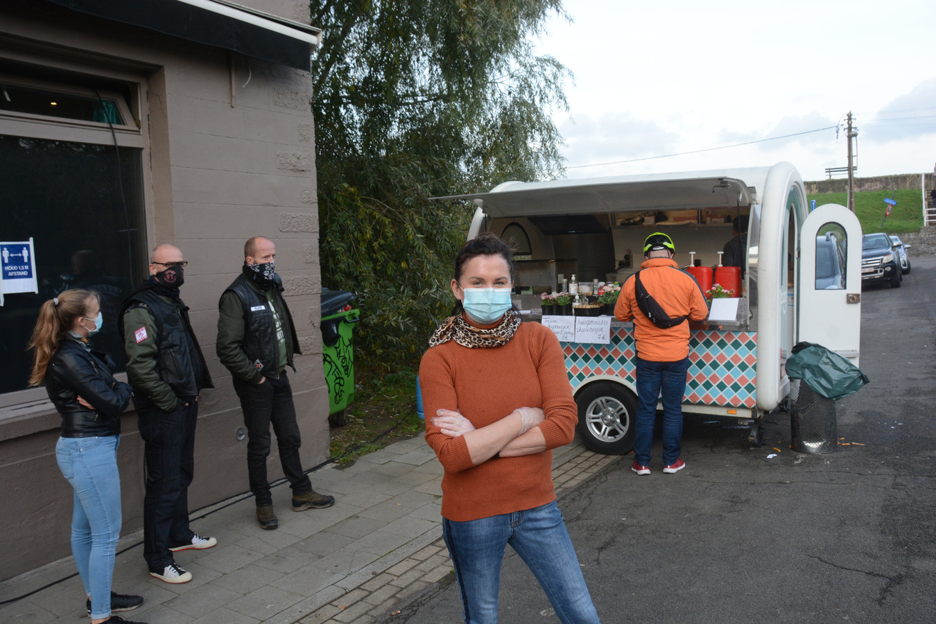 Sheila De Graef plaatst een foodtruck voor haar gesloten café Doel 5.