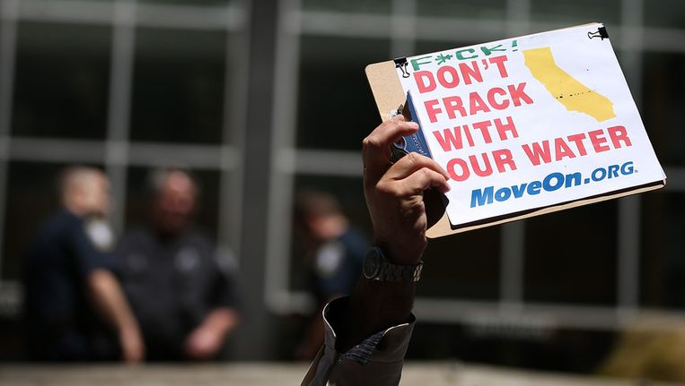 Een Amerikaanse demonstratie tegen 'fracking', de wijze waarop schaliegas gewonnen wordt. Beeld afp