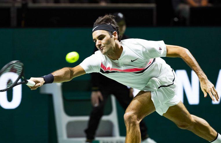 De Zwitser Roger Federer tijdens  zijn partij tegen de Bulgaar Grigor Dimitrov, in de finale van het ABN AMRO World Tennis Tournament. Beeld ANP