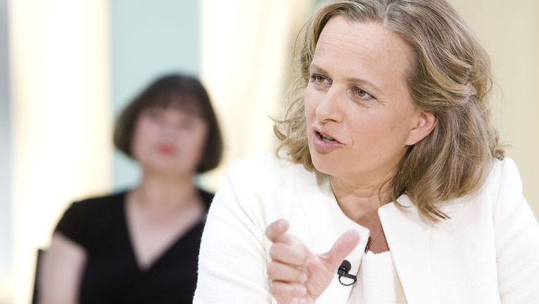 Presentator Lousewies van der Laan tijdens de opnames van van All Women on Top, een programmaserie van RTL7 , in 2010. Beeld ANP