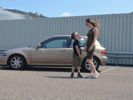 Van Cadillac tot go-kart: Kimberley haalt met showdag geld op voor diabetesfonds