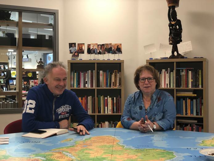Ralf Embrechts en Thea van Blitterswijk gaat met elkaar in gesprek over armoede.