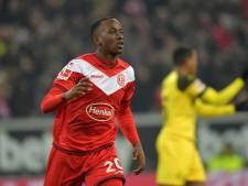 Düsseldorf stunt tegen Dortmund, Weghorst weer trefzeker