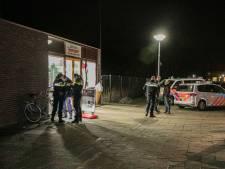 Man stapt gewond snackbar binnen na steekincident in Doesburg