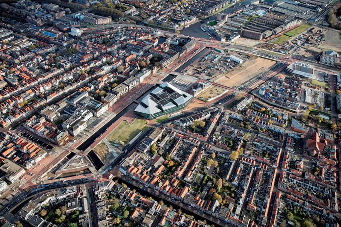 Luchtfoto van de herinrichting van de Spoorzone Delft.