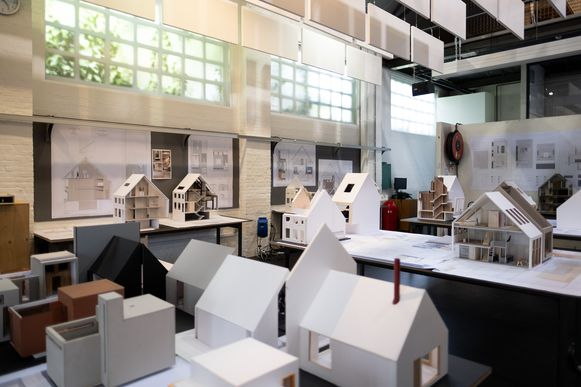 MECHELEN tentoonstelling van de afstudeerprojecten van de leerlingen Interieurvormgeving, meubelontwerp, space and service design en toegepaste architectuur van Thomas More Hogeschool