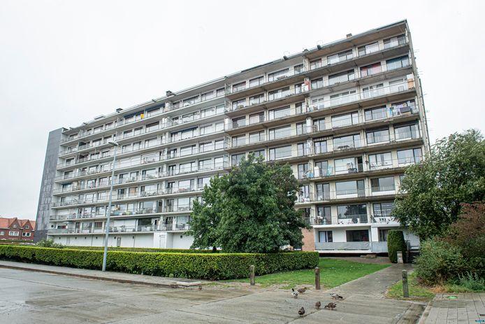 Residentie De Zilverberg krijgt een drastische make-over. Paviljoen is het meest rechtse gedeelte van het gebouw.