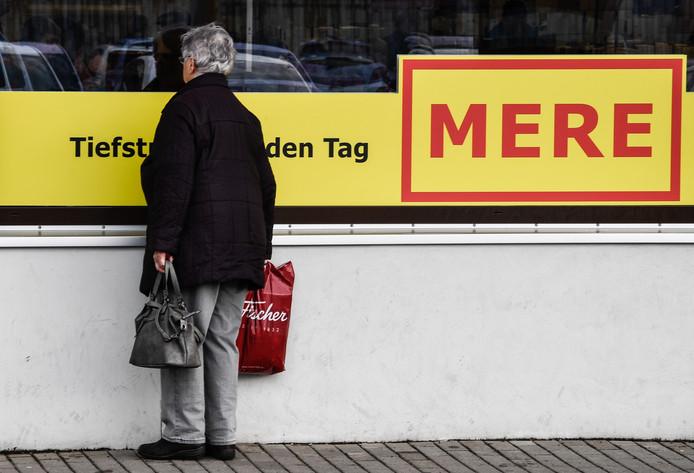 Het Russische Mere hoopt Oost-Duitsland voor zich winnen met een 'radicaal goedkoop' concept, dat zelfs voor wie de simpelste Aldi gewend is nog uiterst sober aan zal doen.
