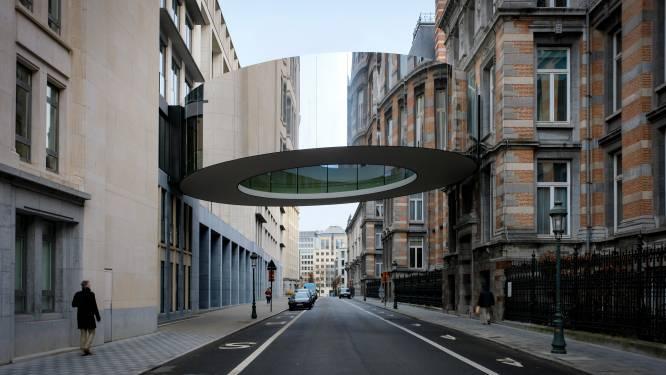 Opvallende 'donut-passerelle' in Brussel leidt tot Photoshop-opwinding