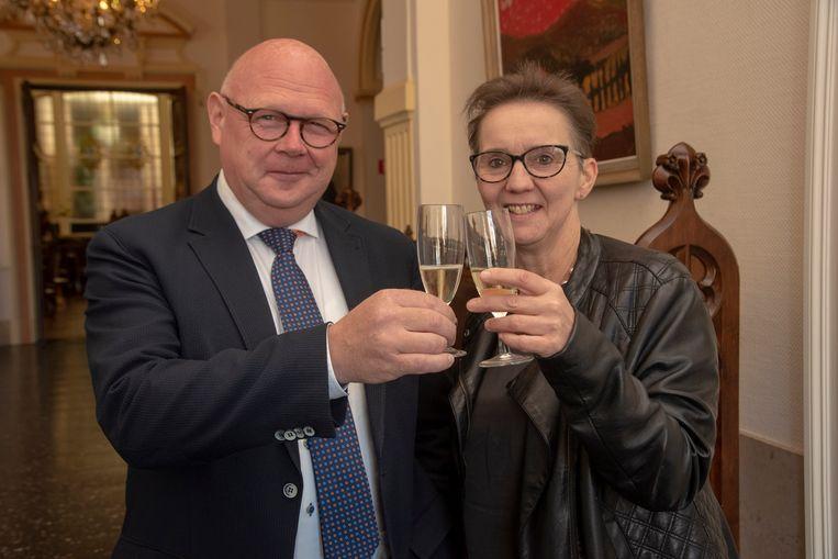 Een toost op een geslaagd bezoek met burgemeester Alain Pardaen.