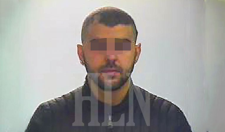 De man die de autopsierapporten van slachtoffers van de terreuraanslagen in ons land gestolen zou hebben, is een teruggekeerde Syriëstrijder. Iliass Khayari werd in 2016 nog veroordeeld tot 5 jaar cel, waarvan de helft met uitstel.