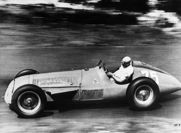 Juan Manuel Fangio in 1951 op de Nürburgring