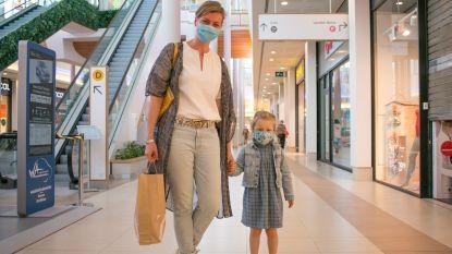 """Rustige start in Waasland Shopping: """"Heel surreëel winkelen op deze manier"""""""