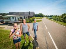 Families woonden jarenlang voor niets in een caravan of schuur in Hattem: 'Nu laten ze ons stikken'