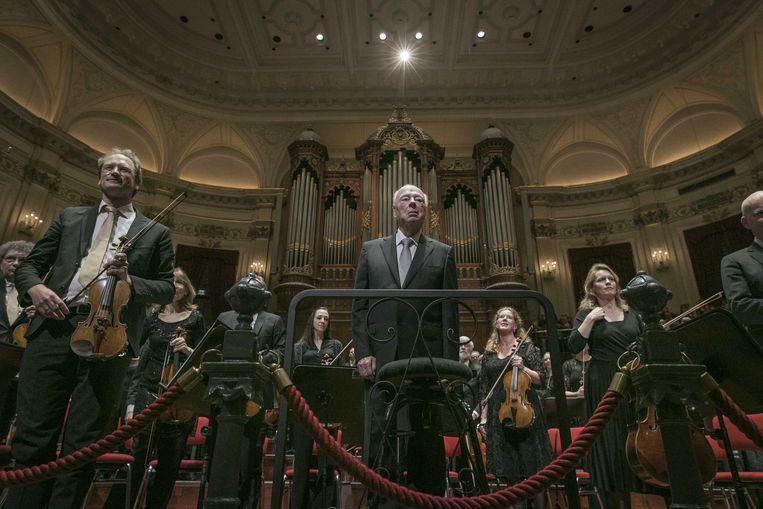 Dirigent Bernard Haitink na zijn laatste concert in Nederland in Concertgebouw Amsterdam. Hij dirigeerde Bruckners Zevende symfonie en orkestliederen van Richard Strauss.  Beeld ANP